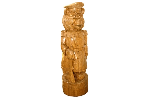 """Деревянная фигура """"Медведь с ружьем"""""""